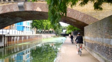 Cycling the Grand Waterways of London